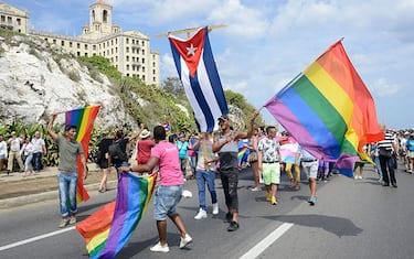GettyImages-GayParadeCuba