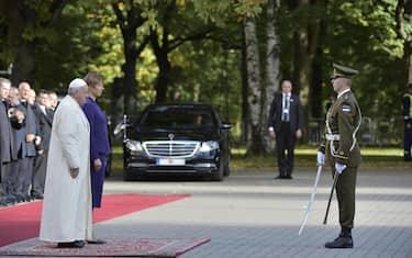 papa_francesco_estonia