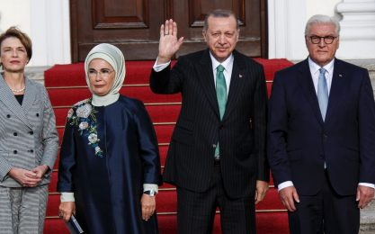 """Erdogan a Berlino, Merkel: """"Profonde differenze con la Turchia"""""""