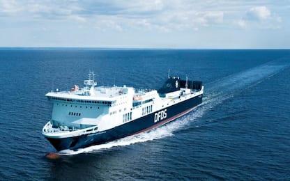 Lituania, traghetto in fiamme nel Mar Baltico con 335 persone a bordo