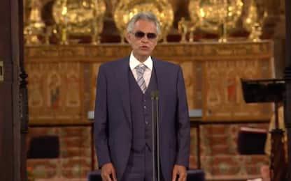 Matrimonio di Eugenia di York, Andrea Bocelli canta l'Ave Maria. VIDEO