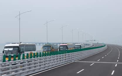 Hong Kong, aperto al pubblico il ponte più lungo del mondo. VIDEO