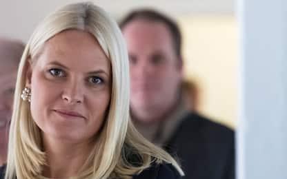 "Norvegia, principessa Mette-Marit rivela: ""Ho rara malattia a polmoni"""