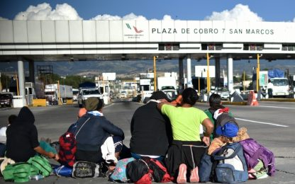 Usa, Trump firma ordine esecutivo: niente asilo a migranti irregolari