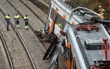GettyImages-treno_deragliato_spagna7