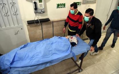 """Siria, Damasco accusa ribelli: """"Attacco chimico"""". Mosca bombarda"""