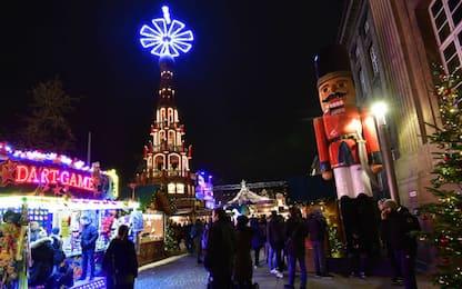 A Berlino aprono i mercatini di Natale. FOTO