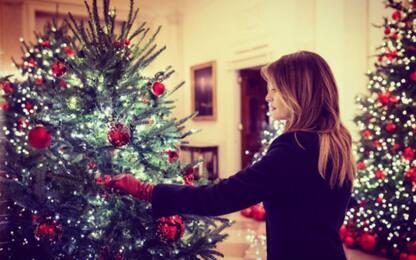 Alla Casa Bianca è già Natale: Melania Trump mostra le decorazioni