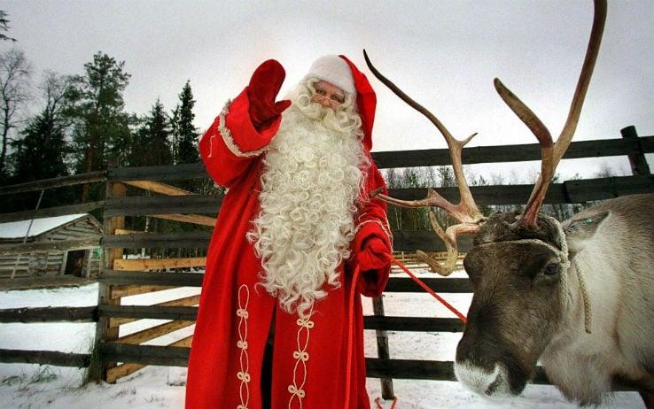 Babbo Natale Uomo Bello.Casa Di Babbo Natale I Villaggi Piu Belli Nel Mondo Sky Tg24