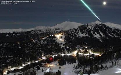 Austria, spettacolare meteorite illumina la notte sulle Alpi