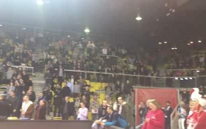 Attentato Strasburgo, tifosi bloccati in Palasport cantano Marsigliese