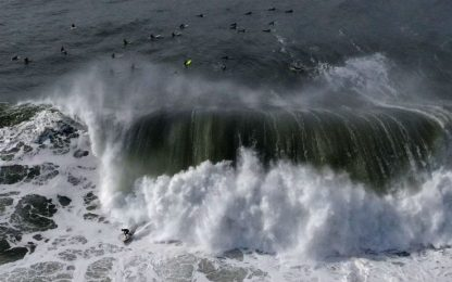 California, le onde giganti di Half Moon Bay. FOTO