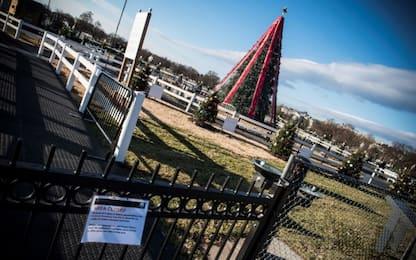"""Usa, riacceso l'albero di Natale nazionale spento per lo """"shutdown"""""""