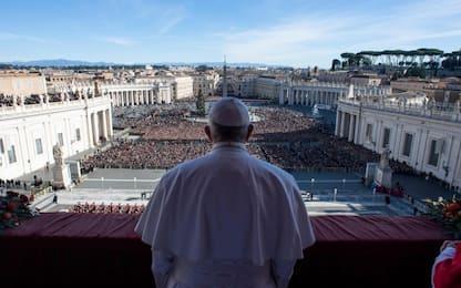 """Natale, la benedizione Urbi et Orbi del Papa: """"Siamo tutti fratelli"""""""