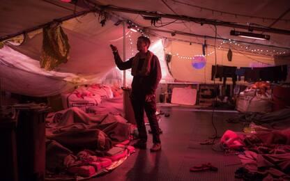 """Migranti, Sea Watch a sud di Lampedusa: """"Ci serve un porto sicuro"""""""