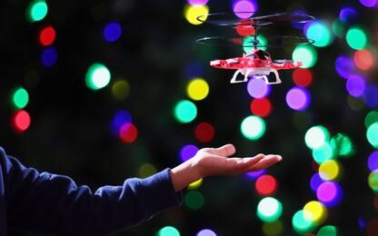 Germania, bimbo non riceve i regali chiesti a Natale e chiama polizia