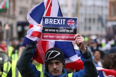 Brexit, 24 ore al voto decisivo - e una lezione da ricordare