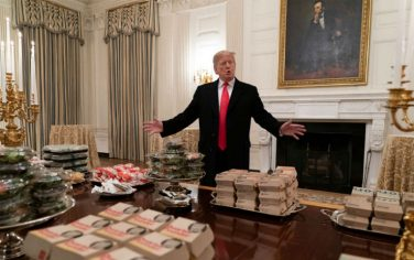 GettyImages-Trump_fast_food_Casa_Bianca_8