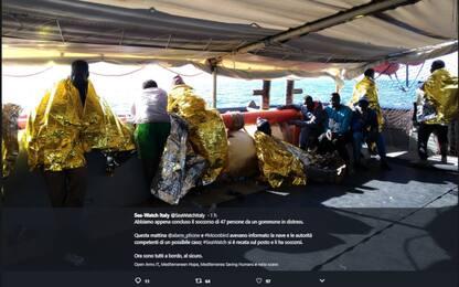 """Sea Watch soccorre 47 migranti, Salvini: """"Si scordi porto in Italia"""""""