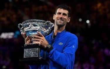 Djokovic__trofeo_ansa