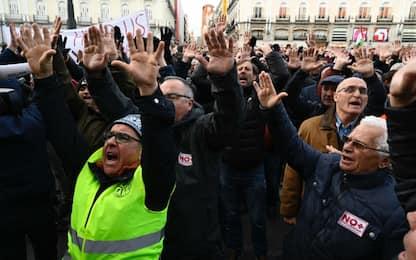 Sciopero dei taxi a Madrid: manifestazione a Puerta del Sol