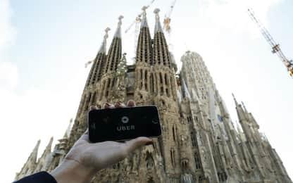 Uber e Cabify lasciano Barcellona, vittoria dei tassisti