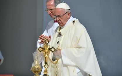 Maradona, papa ha inviato rosario a famiglia e dedica storia Instagram