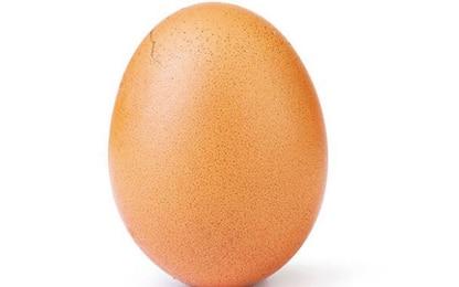 Chi è l'autore dell'uovo del record su Instagram