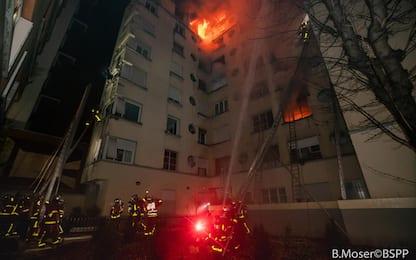 Parigi, incendio in palazzo: i 10 morti, oltre 30 feriti