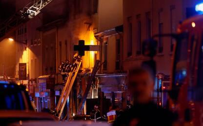 Lione, incendio in un palazzo: morti donna e bambino, 4 feriti