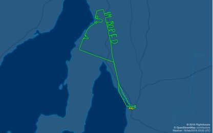 """Australia, il messaggio scritto nel cielo dal pilota: """"Sono annoiato"""""""