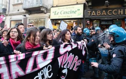 Festa della donna, corteo a Torino: tensioni vicino a Palazzo Civico