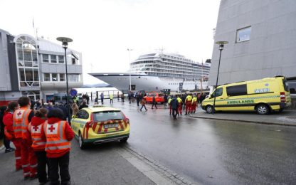Norvegia: la nave da crociera in avaria è rientrata in porto