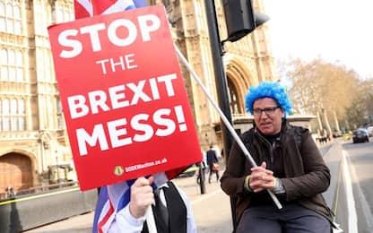 """Brexit, May e Corbyn: """"Impegno comune per uscire da impasse"""""""