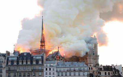 """Incendio Notre-Dame a Parigi, Macron: """"Brucia una parte di noi"""""""