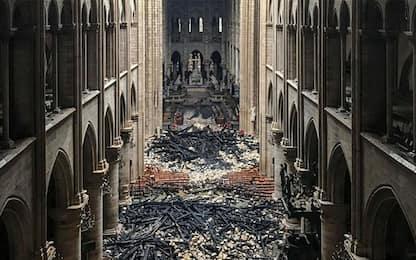Incendio Notre Dame, un cortocircuito la causa più probabile del rogo