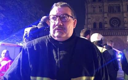 Notre Dame, il cappellano dei vigili del fuoco ha salvato le reliquie