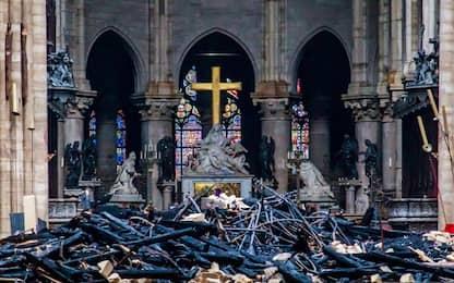 """Notre Dame, il rettore: """"Costruiremo una cattedrale provvisoria"""""""