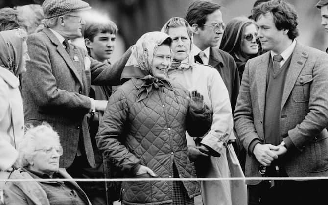 Foto Natale Famiglia Reale Inglese 1990.Una Vita Da Regina Elisabetta Le Foto Piu Belle Sky Tg24