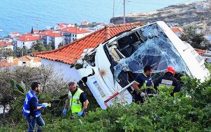 Portogallo, l'incidente del bus turistico a Madeira. FOTO