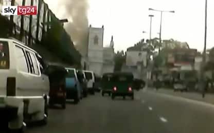 Attentati Sri Lanka, il momento di una delle esplosioni. VIDEO