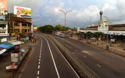 Sri Lanka, strade deserte dopo gli attentati. FOTO