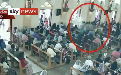 Sri Lanka, il video del sospetto attentatore in azione