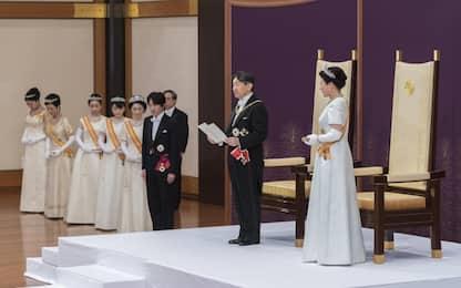 Giappone, asceso al trono il nuovo imperatore Naruhito. FOTO