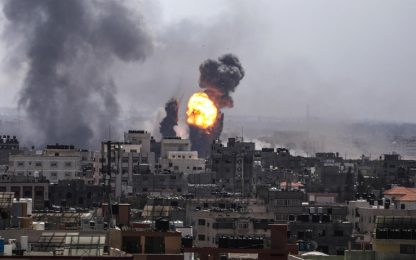 Gaza, pioggia di razzi su Israele. Chiusi i confini con la Striscia