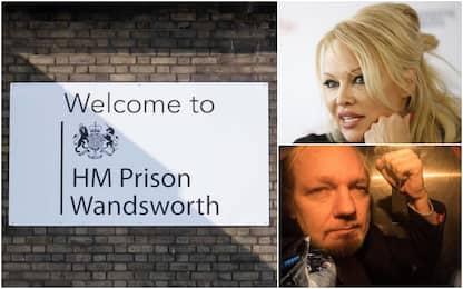 "Pamela Anderson visita Assange in carcere: ""Dobbiamo salvarlo"""