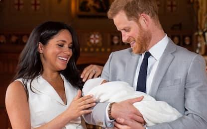 Royal baby, Bbc licenzia conduttore dopo tweet con foto di una scimmia