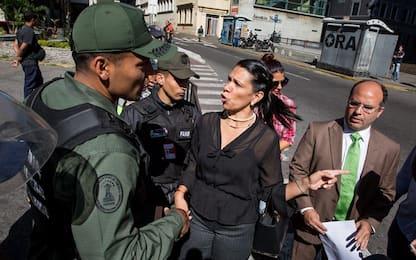 Venezuela, tolta immunità a 7 parlamentari. Italia accoglie deputata