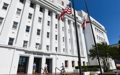 Usa, Alabama: la governatrice firma la legge sull'aborto