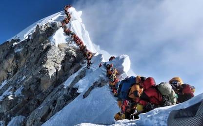 """Everest, undicesimo morto sul """"tetto del mondo"""""""